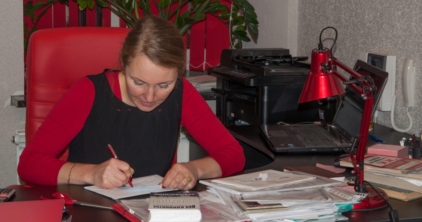 Юрист по наследственному праву Рабочего класса улица консультации по защите прав потребителей Братьев Петровых улица